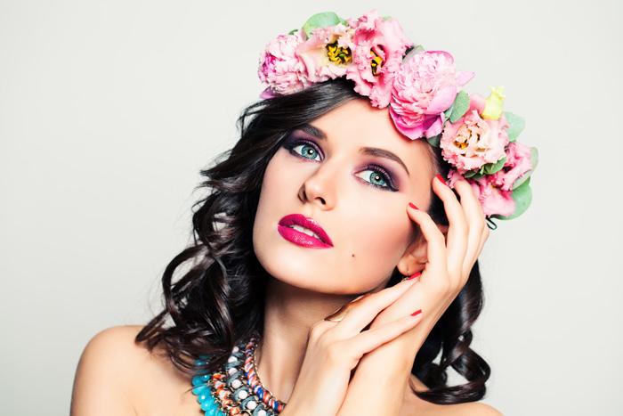 dem romantischen Typ stehen florale Designs gut