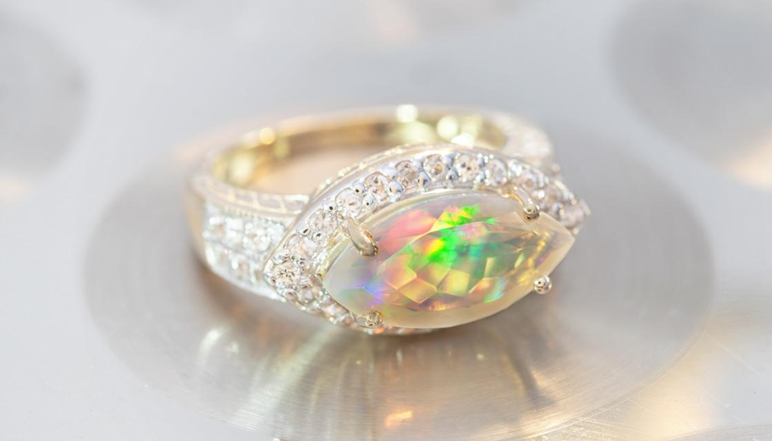 Opal-Goldring