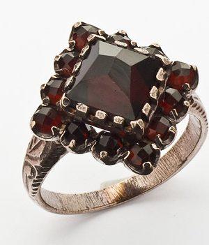 Goettgen Ring Granat 925